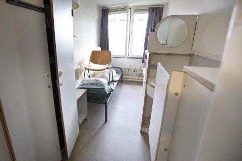 Slik ser det ut på en fengselscelle i Norgerhaven i Nederland, der har norske myndigheter leier over 200 fengselsplasser for langtidsfanger.