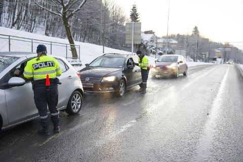 Tirsdag morgen sjekket UP 60 bilister utenfor Løvstakktunnelen i Fyllingsdalen. Ingen av dem blåste rødt.