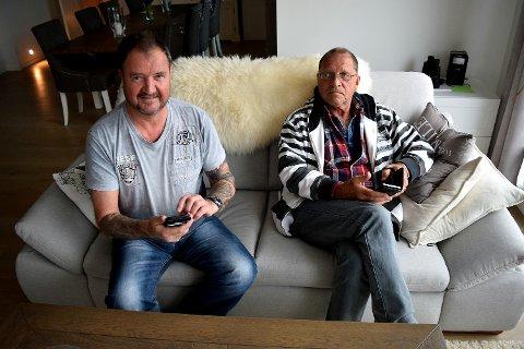 Telenor-kundene Helge Andersen og Harald Olsen bor i et område i nærheten av Sotrabroen hvor det er vanskelig å gjennomføre en mobilsamtale.