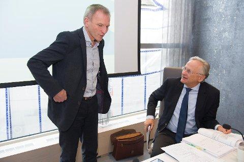 Administrerende direktør i Helse Bergen Eivind Hansen (t.v.) og styreleder Svein Gjedrem.