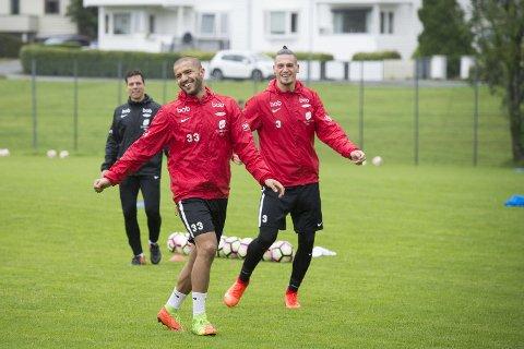 Amin Nouri går til Vålerenga. Her fra en Brann-trening i august, med Vito Wormgoor og Manuel Torres i bakgrunnen.