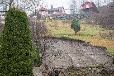 De evakuerte på Votlo har nå fått beskjed fra kommunen om at de ikke får oppholde seg i husene sine fra og med fredag ettermiddag. (Arkivfoto)