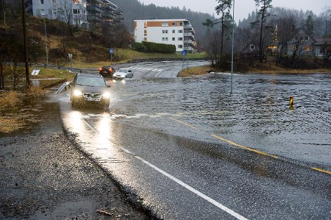 Ekstremværet «Birk» sørger for ny døgnrekord for nedbør i desember måned. I Sædalen kommer det mer enn hundre millimeter på et døgn.