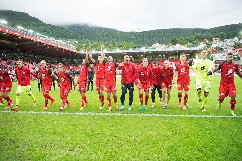 Etter 5-0 seier over Stabæk ligger Brann på toppen av tabellen.