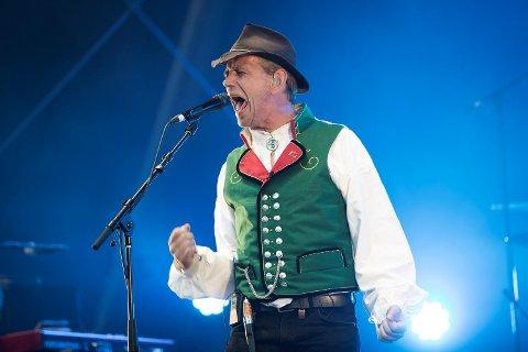 Leif Einar «Lothepus» Lothe vant kjendis-farmen. I juni holdt han konsert på Bergenhus Festning. BAs anmelder kalte opptredenen «den svakeste konserten på Festningen i moderne tid».