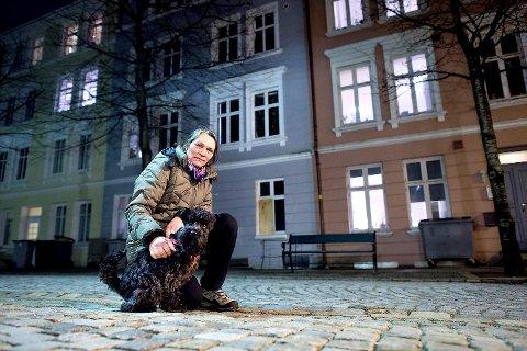 Liv Nielsen Wie og hunden Xirius oppdaget brannen i Baglergaten.