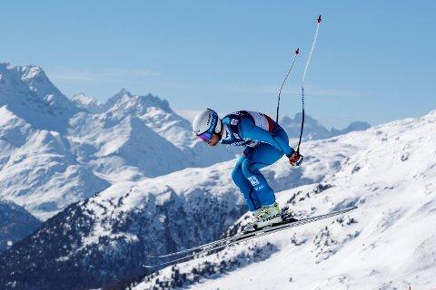 Bjørnar Neteland i aksjon i utforkombinasjonen under VM i alpint i St. Moritz mandag. Han endte på 16.-plass etter at også slalåmdelen var kjørt. (Foto: Cornelius Poppe/NTB scanpix)