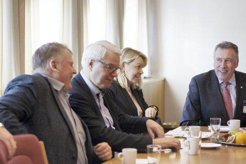 RINGEN ER SLUTTET: I 2007 var Sigurd Hille styreleder i NHO som la frem den første Hordfast-utredningen. Nå, ti år senere, som medlem av finanskomiteen han opptatt av at prosjektet er blitt altfor dyrt. Det samme er NHO-sjef Tom Knudsen og næringsminister Monica Mæland.FOTO: Kari Tønset.