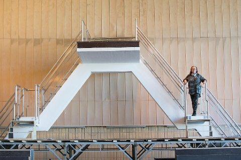 Anne Randine Øverby har lyst å fortsette å bruke Sentralbadet til opera.