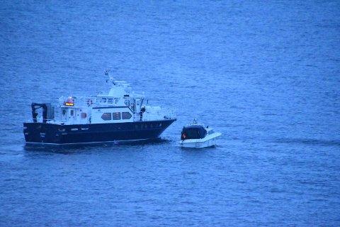 En fritidsbåt fikk motortrøbbel ved Sprengsneset nord i Øygarden fredag kveld.