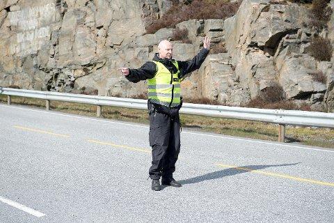 19 sjåfører fikk forenklet forelegg på grunn av mobilbruk, og 11 fikk gebyr for manglende bruk av bilbelte. (Arkivfoto: Magne Turøy)