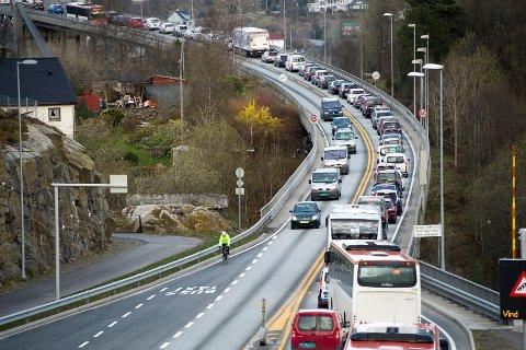 Ifølge Willy Padøy beveget køen seg i 25–30 kilometer i timen fra Bergen vest.