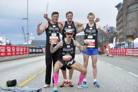 Bjørn Tore Taranger (foran) hadde samlet et gjeng gode utøvere som skulle løpe til ære for Alexander Dale Oen.