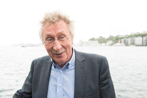 Harry Herstad ble sendt til sykehus etter å ha fått et illebefinnende på et møte på Fitjar fredag.