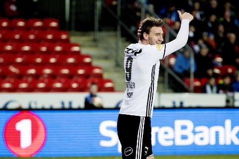 Rosenborgs Nicklas Bendtner scoret sitt første mål for trønderne mot Odd i serieåpningen.