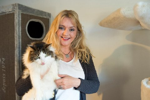 Daglig leder i Kattens Vern Merethe Mikkelsen er strålende fornøyd med responsen på oppfordringen om å gi penger til strømregningen deres.