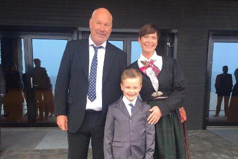 I januar bestemte Janne Frodesen Bøe, ektemannen Svend Rune og sønnen Julian seg for at årets ferietur skulle gå til den greske øyen Samos. Plutselig får de en kjedelig beskjed på e-post.