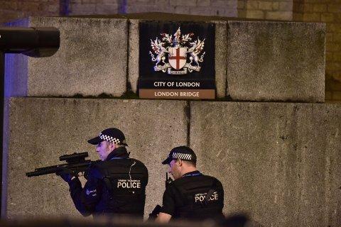 Politiet i London etter angrepet.