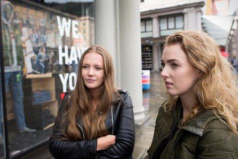 Linn Seliussen (19) og Thyra Hevrøy (20) synes det var riktig av Os kommune å avlive Havnesjefen.