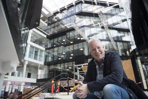 Eiendomssjef Svein Ove Søreide og Medielandsbyen er klar til å ta imot sine nye leietakere. BA, BT, NRK og TV2 er blant dem som nå flytter inn i byens nye storstue.