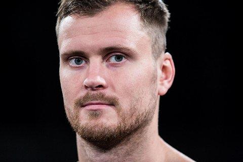 Sotra-bokserr Tim-Robin Lihaug (25) tapt lørdag kveld sin fjerde kamp.