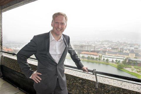 Nynorskentusiast: Personlig har Harald Schjelderup blitt glad i nynorsken med årene og mener det er en berikelse for det norske språk. Foto: Magne Turøy