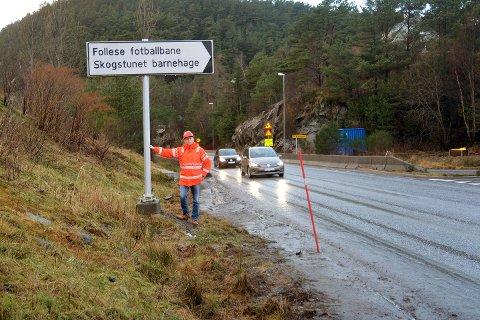 Robert Østborg i Statens vegvesen skal lede byggearbeidet med busstiltakene som er lyst ut. Her på fylkesvei 212 ved Flagget blir det nye busslommer på begge sider av veien.