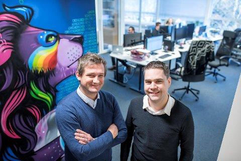 Bergenserne Bjørn Fjellby (t.v.) og Andreas Sundal grunnla det som i dag er Scout Gaming Group for godt og vel fire år siden.