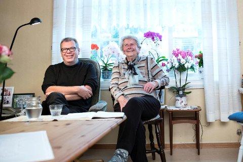 Angunna Kvandal (92) gledet seg stort til å få Frode Grytten på besøk.