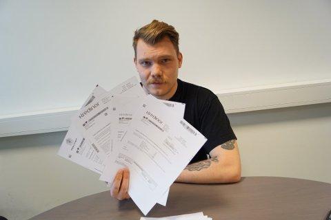 Rikki Hageberg oppdaget ikke at han hadde fått bompengeregning på 21 kroner i Vipps. Nå må han ut med drøyt 7.500 kroner.