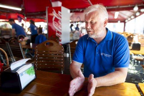 Talsmann for torghandlerne Åge Sørensen sier seg fornøyd med den nye torgstrategien som ble vedtatt i bystyret onsdag kveld.