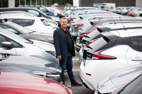 Frode Sande i Sandegruppen sier at hoveddelen av salget deres er elbiler.