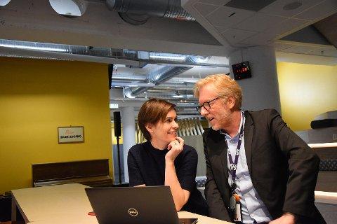 Regionredaktør i NRK Kai Aage Pedersen blir ny ansvarlig redaktør i Firda. Her sammen med distriksredaktør i NRK Hordaland Dyveke Buanes.