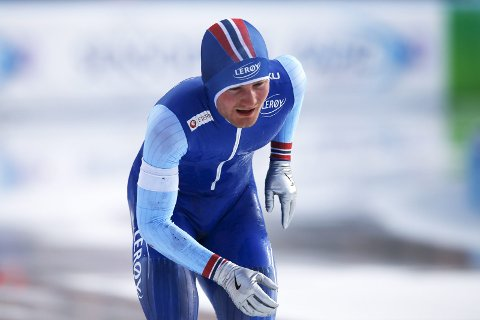 Sverre Lunde Pedersen (bildet) og Sindre Henriksen havnet langt bak de beste i verdenscupåpningen på 1500 meter lørdag. Lunde Pedersen ble likevel beste nordmann på en 7.-plass, mens Henriksen måtte ta til takke med 15.-plass.  Arkivfoto: AP Photo