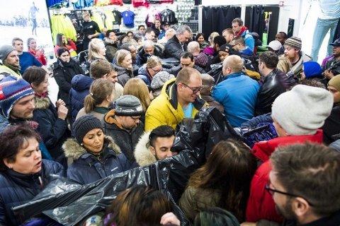 Black Friday er årets største shoppinghøytid. Da er det kamp om de beste tilbudene.