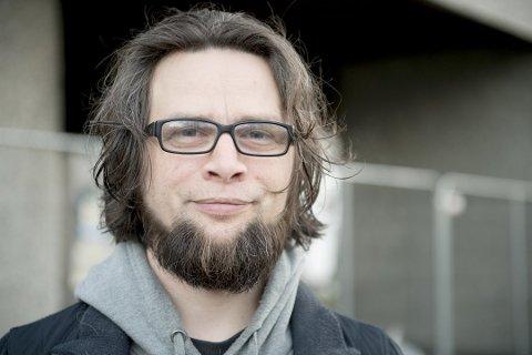 Sondre Båtstrand har allerede gitt beskjed om at han takker for seg ved endt bystyreperiode. Nå melder han seg også ut av partiet MDG. Foto: ARNE RISTESUND (ARKIV)