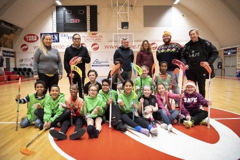 Ni idretter tilbys. Hovland i Trane kaller prosjektet «idrettens fargespill», og han bruker det til integrering og rekruttering.