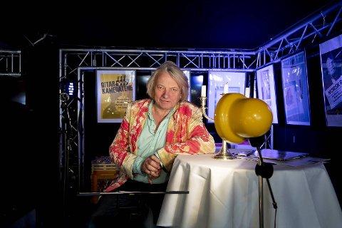 Jan Eggum fylte 67 år nå i desember, men pensjonisten har ingen planer om å redusere aktiviteten. Søndag avsluttet årets rekke av konserter på Madam Felle, og i 2019 er også kalenderen i ferd med å fylles.