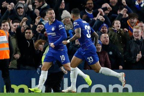 Chelsea og Eden Hazardhar en tøff hjemmekamp mot Leicester lørdag ettermiddag. (AP Photo/Alastair Grant)