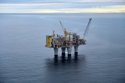 Trol-A-plattformen henter gass fra havbunnen 65 kilometer vest for Kollsnes. FOTO: EQUINOR/HARALD PETTERSEN