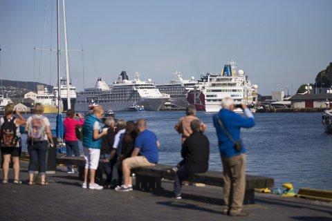 Direktør for Bergen reiselivslag Ole Warberg mener at loven gir den enkelte destinasjon anledning å regulere antall cruiseanløp og -passasjerer.