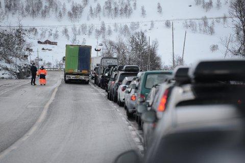 – Før man reiser må man sørge for at bilen er pakket ordentlig for å få en trygg tur, Nils Sødal.