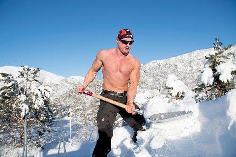 Lars Rørbakken er daglig leder av RS Sikkerhet. Om vinteren jobber han med snømøking på Kvamskogen, og denne vinteren har vært travel. (Arkiv)