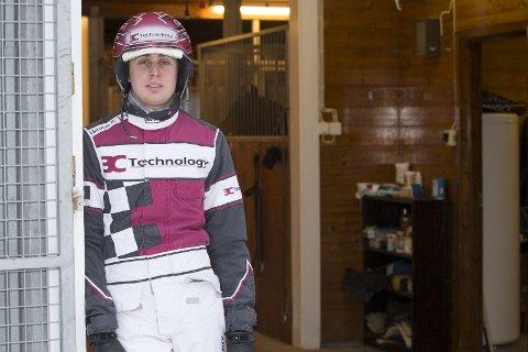 Herman R. Tvedt etablerte seg nylig på Jarlsberg Travbane, hvor han har ansvaret for tolv hester.  Foto: Anders Kongsrud, hesteguiden.com
