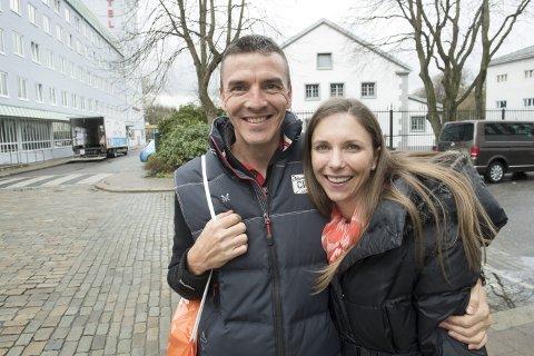 Nicholas Kershaw og Jana Kershaw har reist hele veien fra Sør-Afrika for å delta på Bergen City Marathon. De løper vanligvis i 30 grader på 1500 meters høyde, og er spent på hvordan det blir å løpe i Bergens gater.