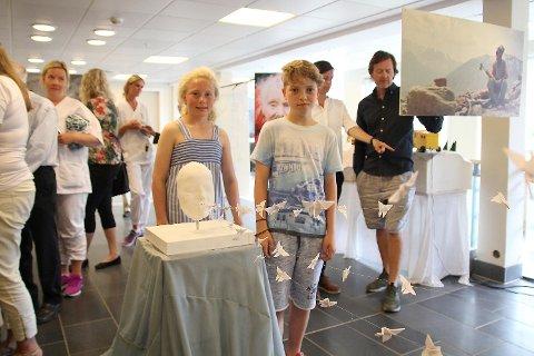 mARTE mJØS pERSEN åpning kunstutstilling Røde kors sykehjem
