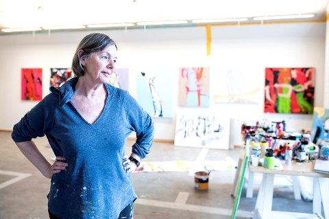 - Livet er fullt av muligheter, helt til det ikke er det lenger. Jeg jobber med å leve i nuet fullt ut, sier kunstner Ingri Egeberg. 17. mai skal hun ha utstilling hos Kunsthuset Wendelboe.