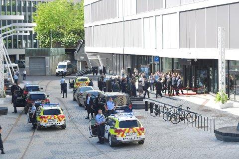 Klokken 1030 ankom kronprins Haakon og den slovakiske presidenten Media City Bergen.