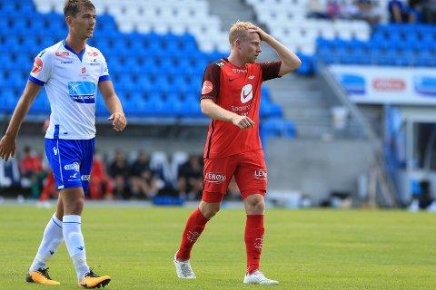 Henrik Kjelsrud Johansen og Brann fortvilte over lite flyt i spillet. Kjuagutten Fredrik Pallesen Knudsen leverte på sin side en god søknad om mer spilletid i Haugesund.