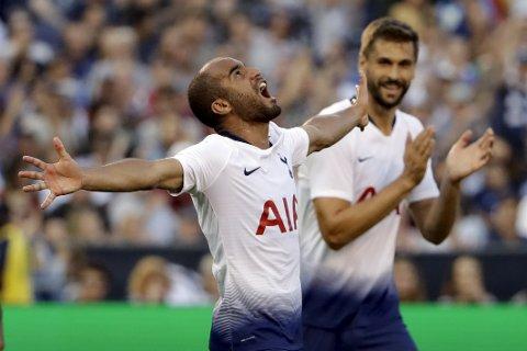 Tottenham og Lucas Moura (t.v.) er på gangHer jubler Moura etter å ha scoret i en treningskamp mot Inter i sommer. (AP Photo/Gregory Bull)